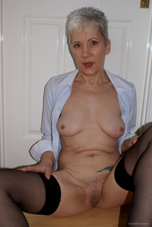 GILF Fourth Posting Showing and teasing in the hallway mature woman