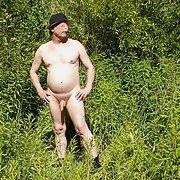 Nacktsein ist was schönes, Ich finde es geil nackt auf einer wiese zu liegen
