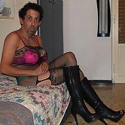 Alessandro Pavese sexy troia puttana e prostituta succhia cazzi