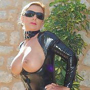 SEXY FRENCH MILF BUSTY SEX PICTURES