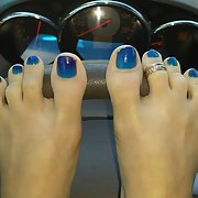 A few friends sexy toes and feet for your pleasure