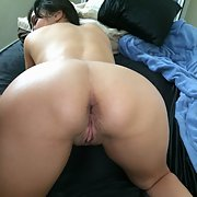 Mimi is an exhibitionist and loves showing her body