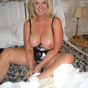 Brighton Wife Demi UK has a very open relationship with hubbie who just loves posting her
